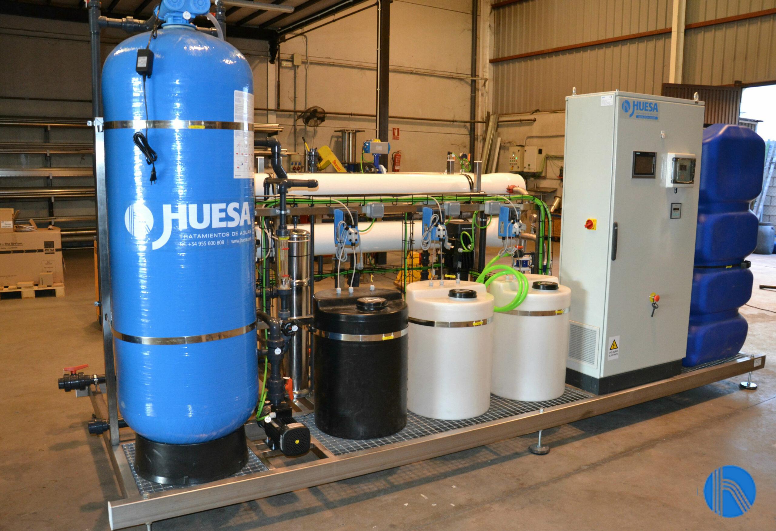 Equipo de tratamiento de aguas mediante ósmosis inversa