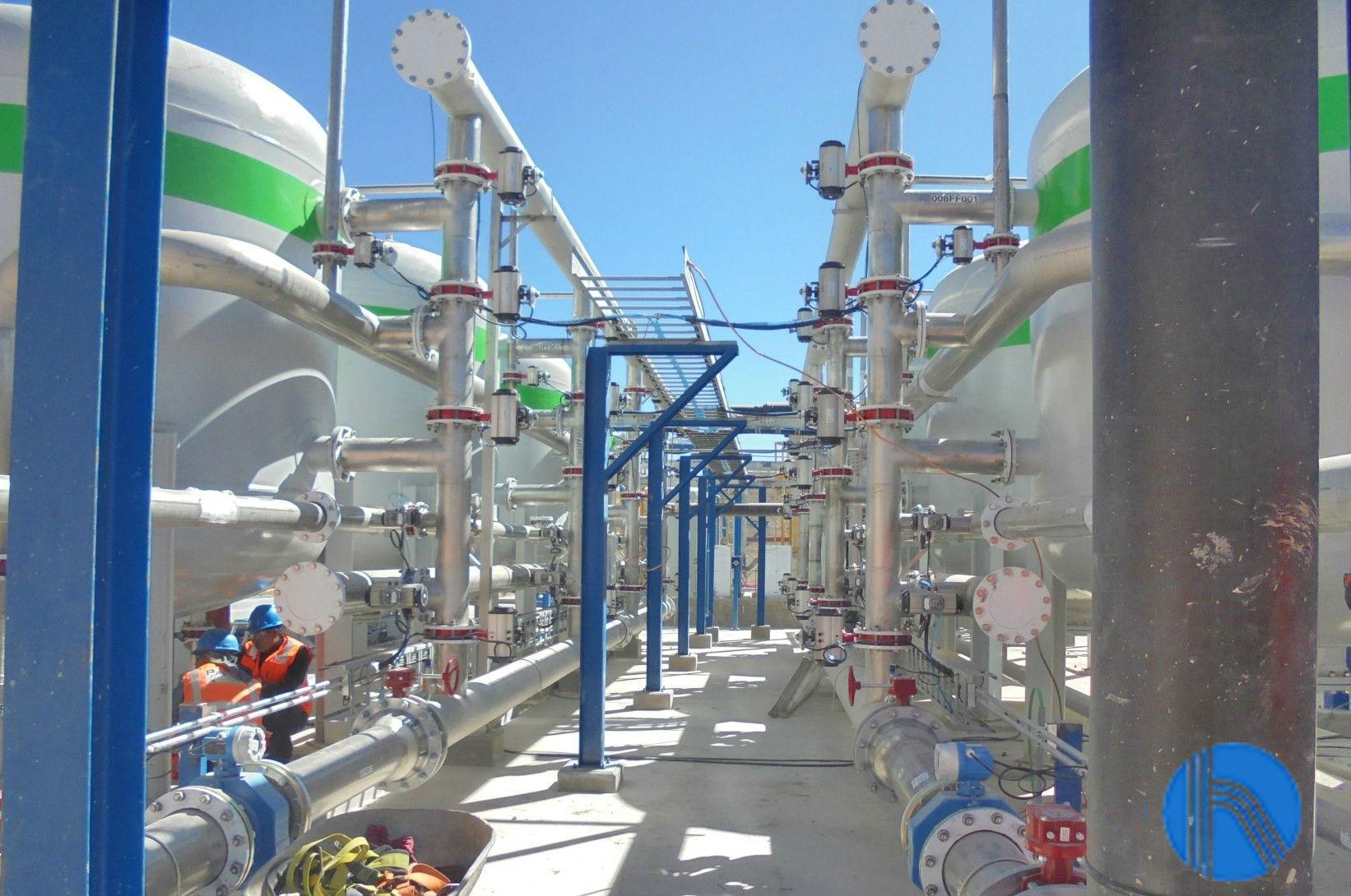 Pretratamiento de agua por filtración tricapa para una minera en Perú