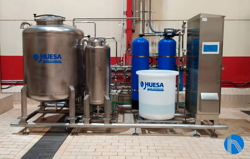 Water treatment line for cans cleaning in the drink sector