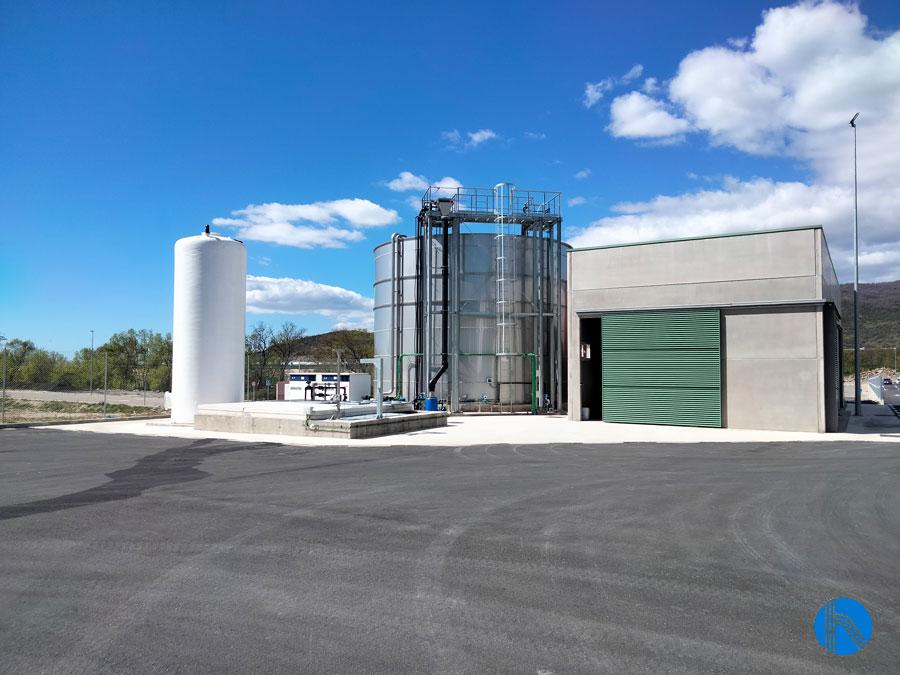 Depuración de aguas residuales de alta carga contaminante procedentes de la producción de extractos vegetales